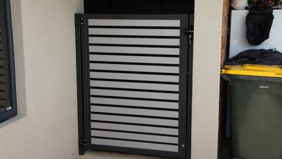 Bob's Gate - Monument Frame with Dune Slats