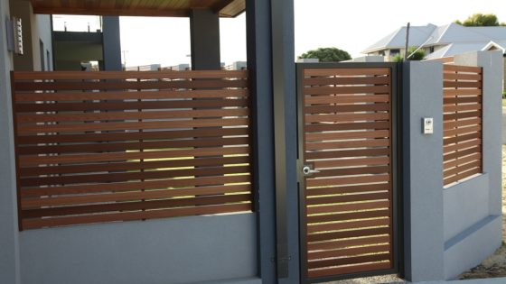 Bush Cherry and Light Oak Mixed Timber Effect Slat Fencing & Gate
