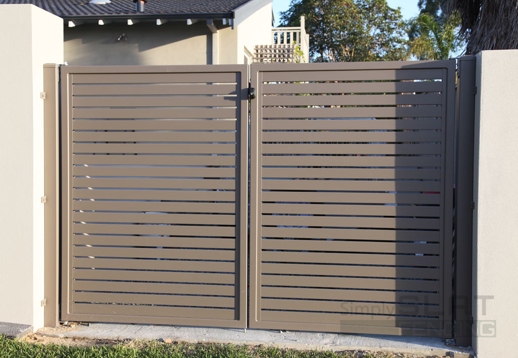 Coloured Slat Gate with Locking Latch