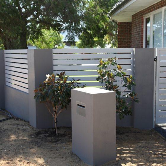 Shale Grey 100mm Coloured Slats and Gate | High Street