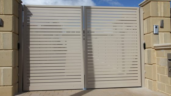 Coloured Aluminium Slat Gate with Security System