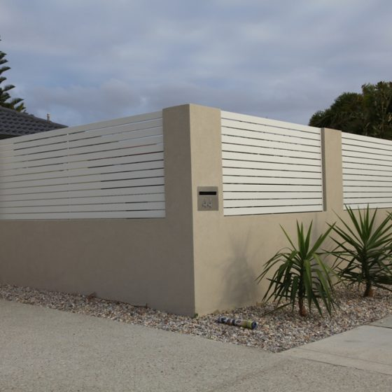 Lisa's 65mm Surfmist Aluminum Slat Fencing