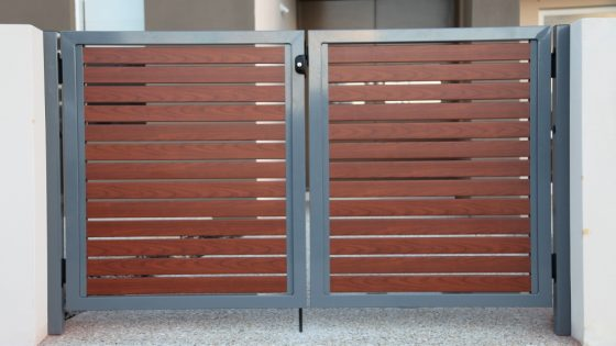 Gate with Western Red Cedar Slats & Fame in Notre Dame | Martinique Mews