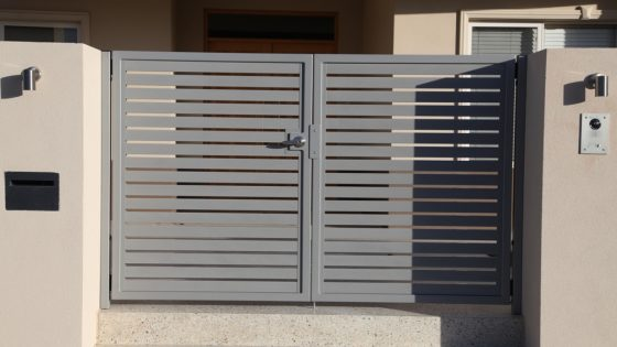 Silver Pearl Electric Access Gate with Intercom | Mustique Ave