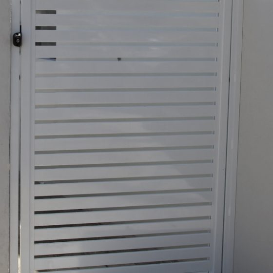 Slat Gate in Pearl White